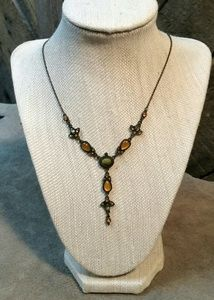 Beautiful Vintage Looking Necklace by 1928